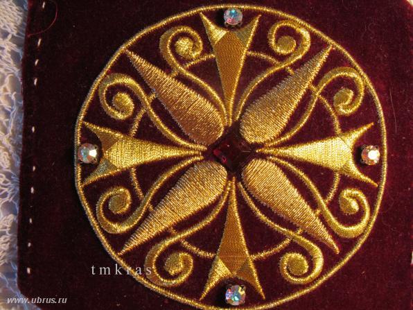 Золотое шитье по картону