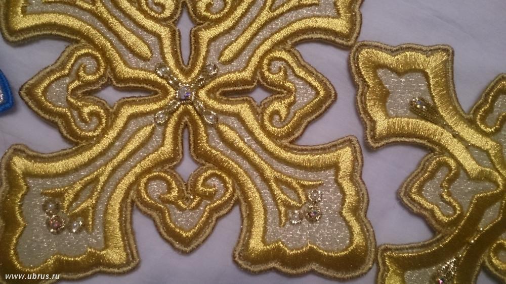 Вышивка золотыми нитками фото