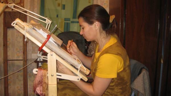 Пяльцы для вышивания напольные своими руками