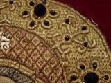 Фотография маленького нимба с увеличением. Узор шит по веревочке.16й век. Кирилловский музей.
