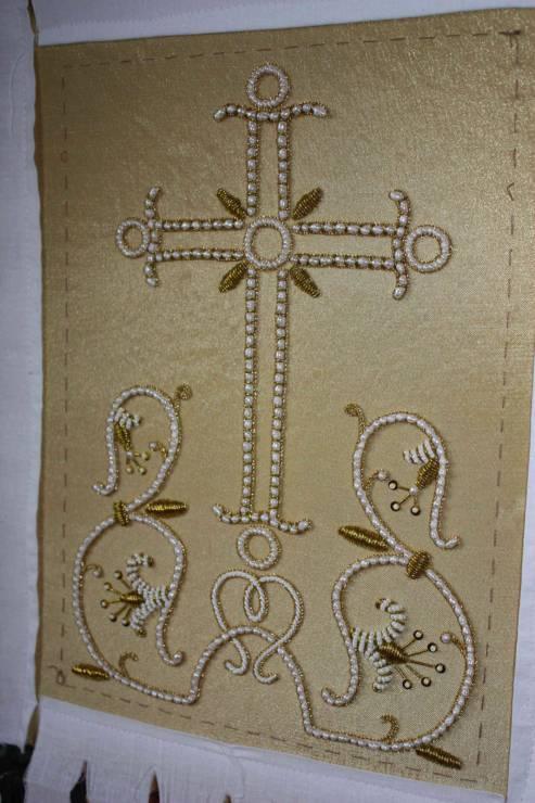 Крест на индитию желтый